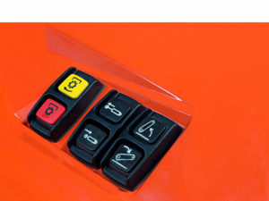 m7002_rear-buttons