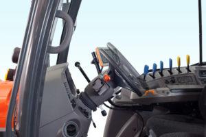 M6002_Studio_Steering Wheel1